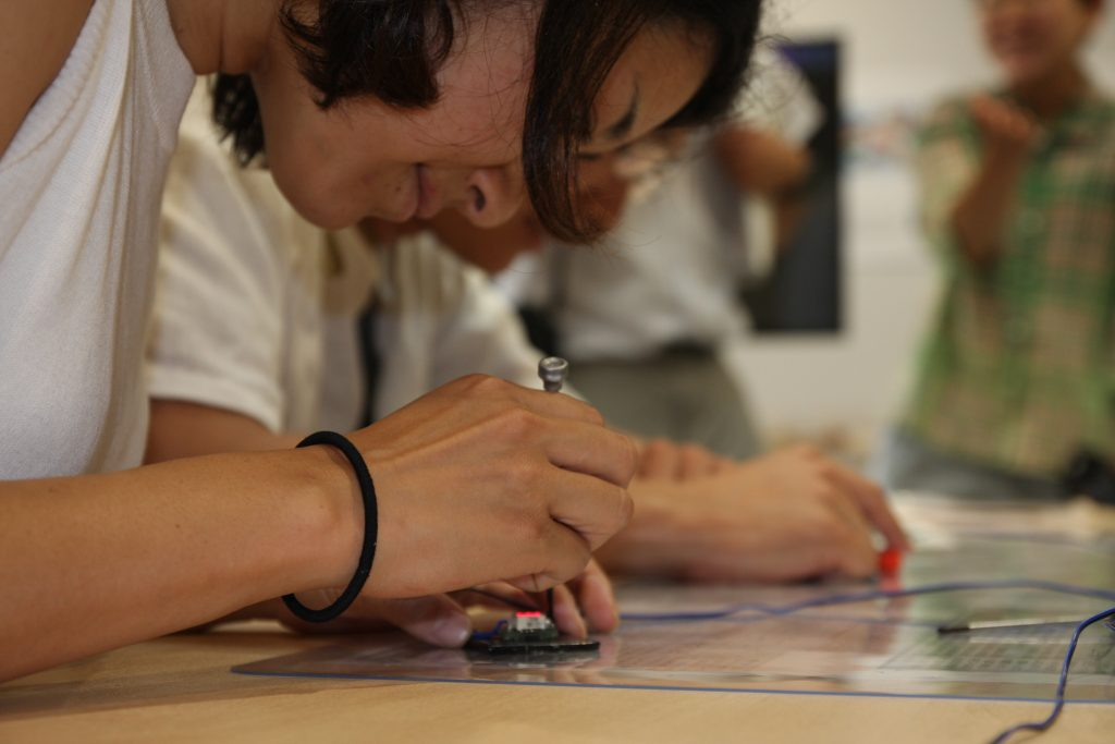 リボーン・アートフェスティバルプレ展でのタイム設定の様子(2016)